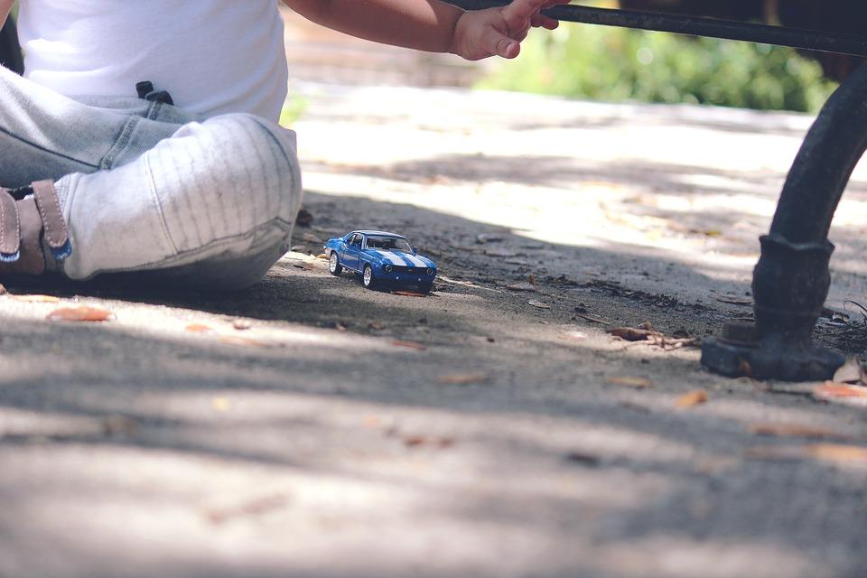 como-proteger-a-tu-bebe-en-el-coche