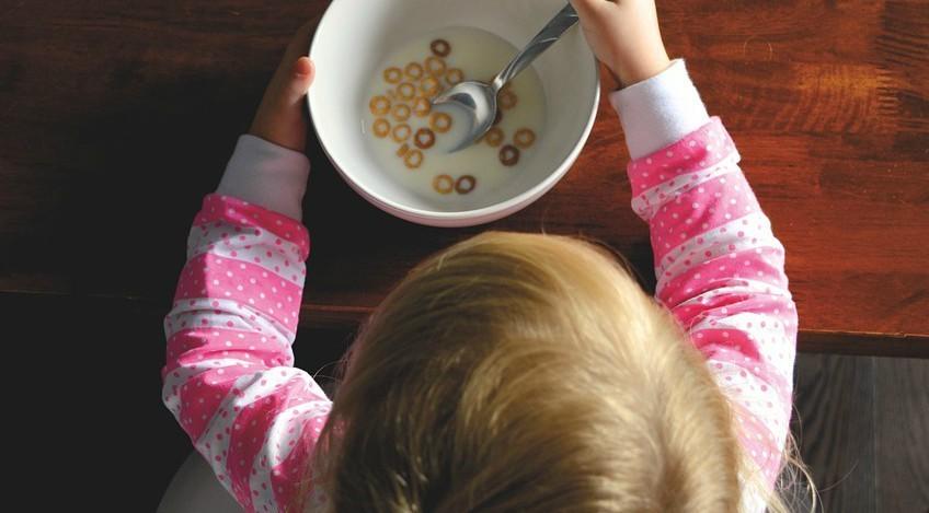 10 alimentos ricos en vitaminas para niños