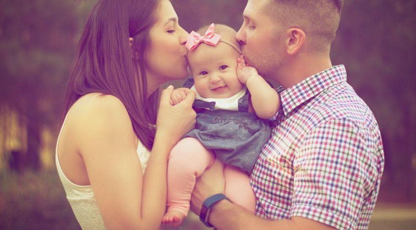 Bebé en brazos, por qué son necesarios los abrazos