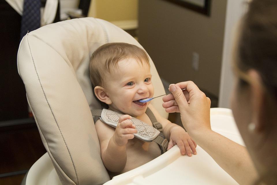 como-introducir-nuevos-alimentos-en-la-dieta-de-tu-bebe